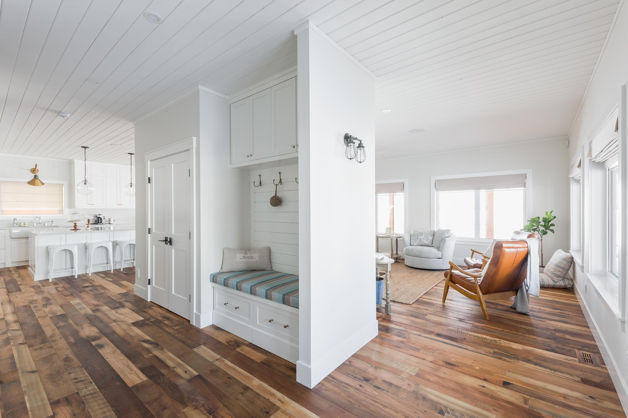 Web Res (For Social) Wabamun Cottage Floors-44.jpg