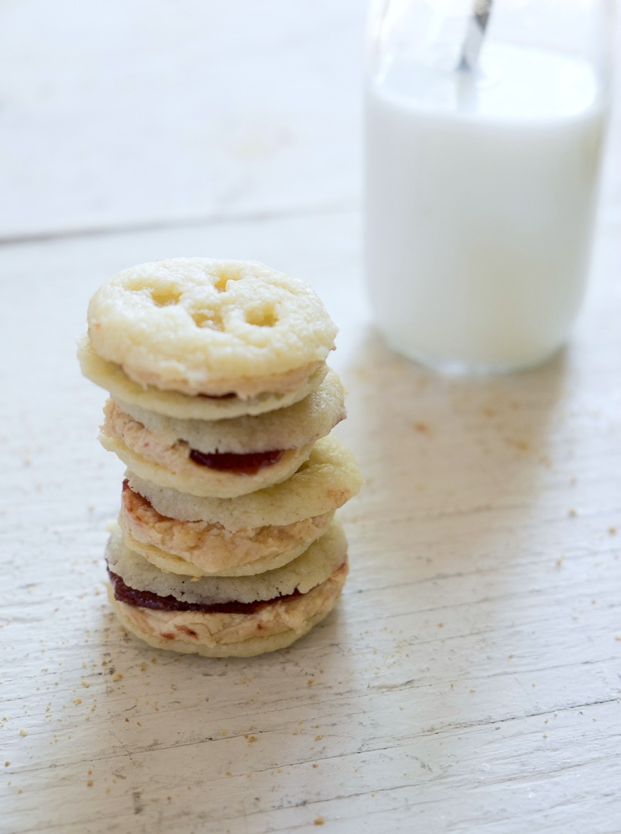 peanut-butter-jelly-oreos