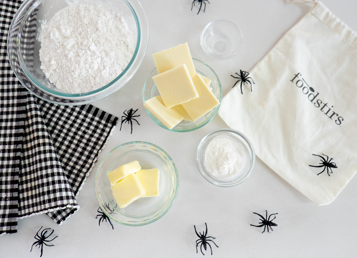cobweb-cookies-cocoa-white-chocolate-halloween