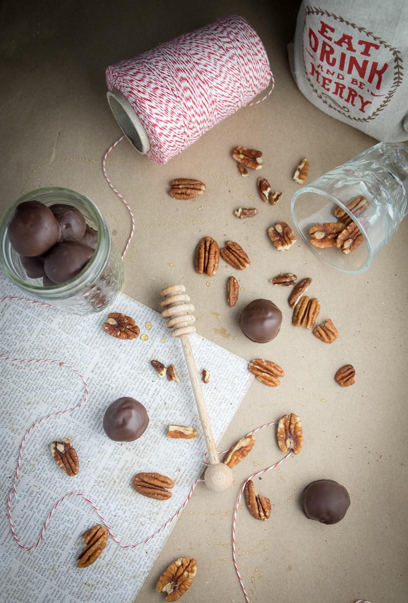 bourbon-balls-kentucky-christmas-candy-holiday