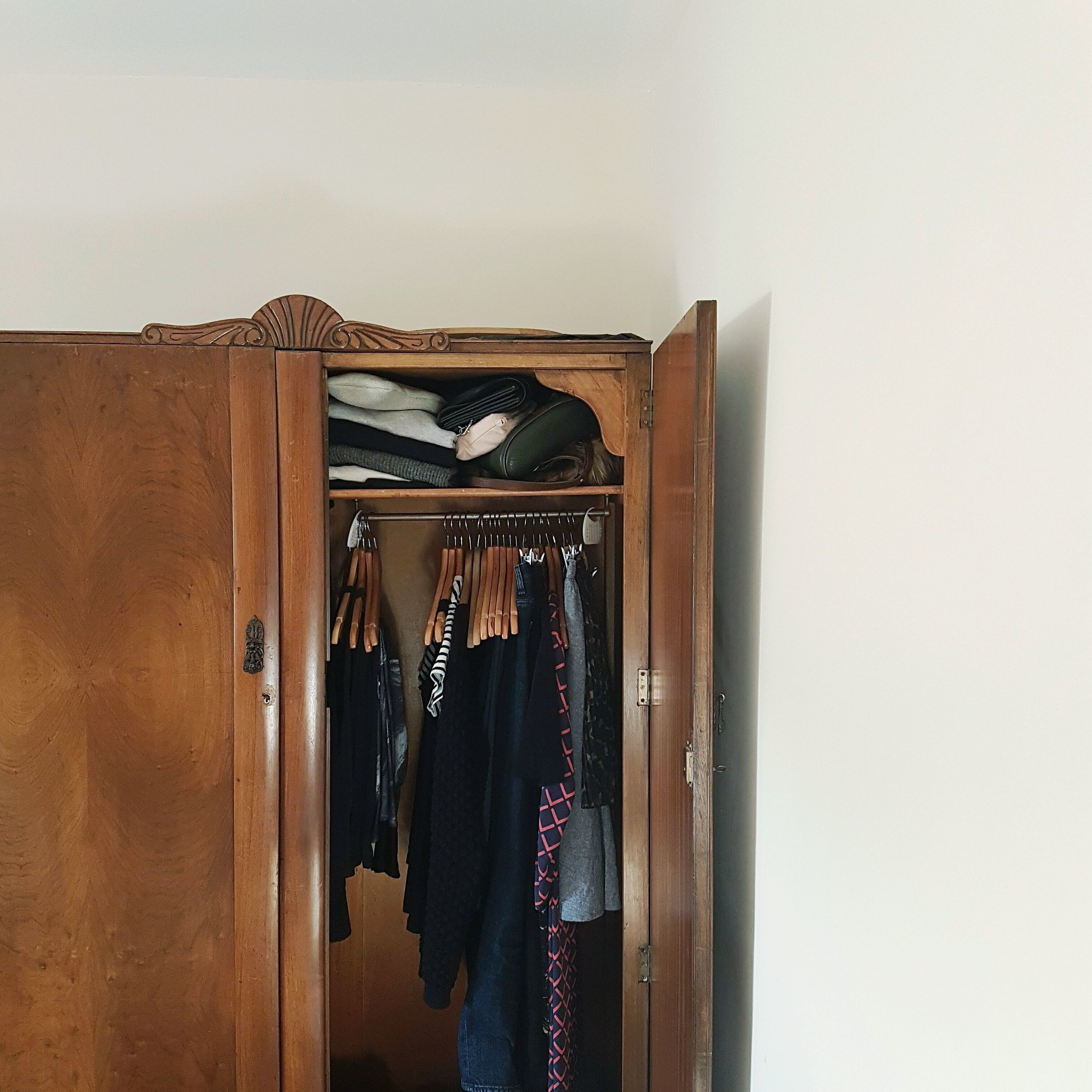 Having a small capsule wardrobe allows me to share this wardrobe with my boyfriend!