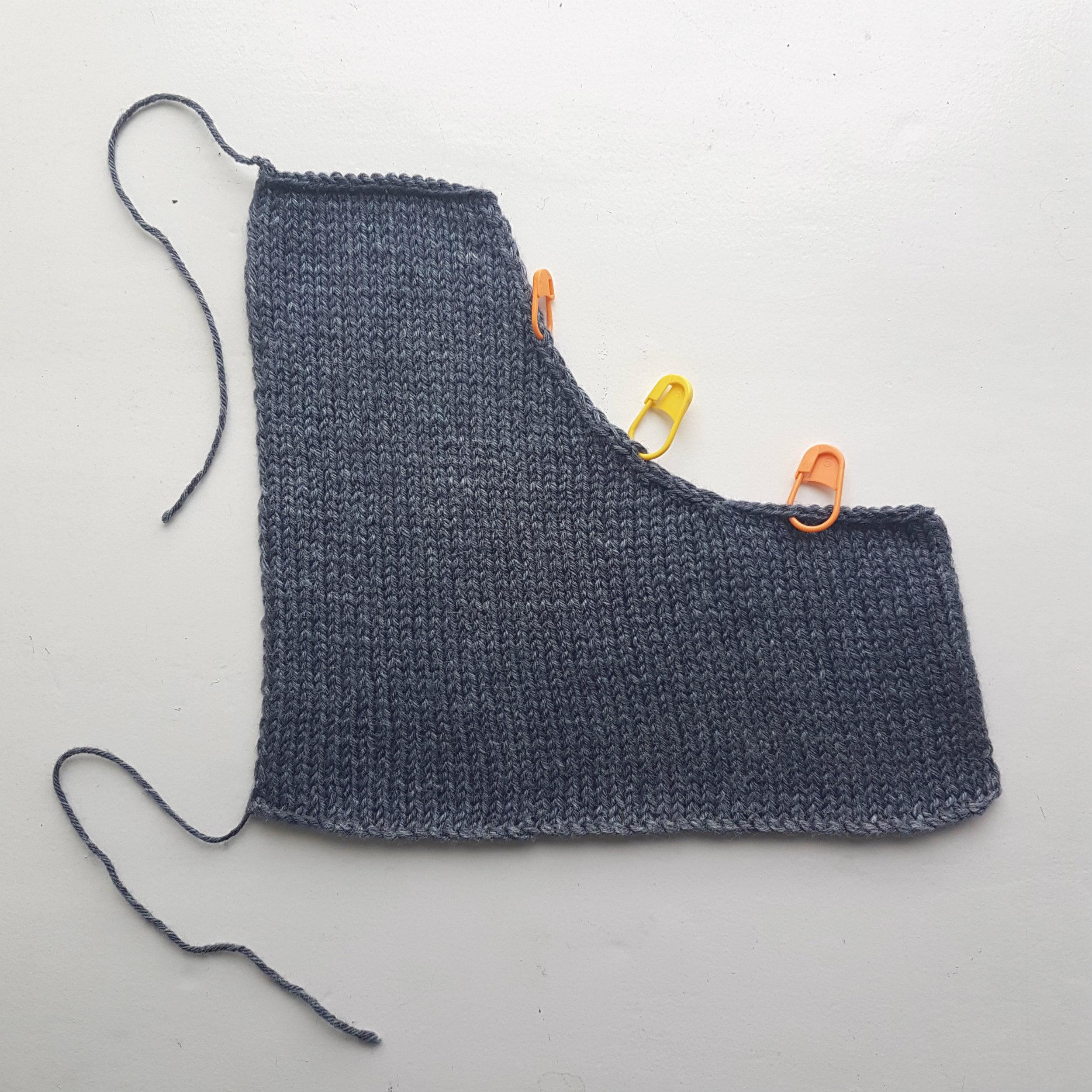 Neckline Swatch with Stitch Markers