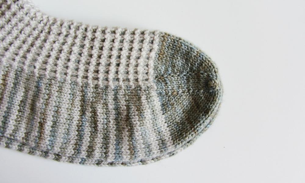Gaufre Socks: a free knitting pattern