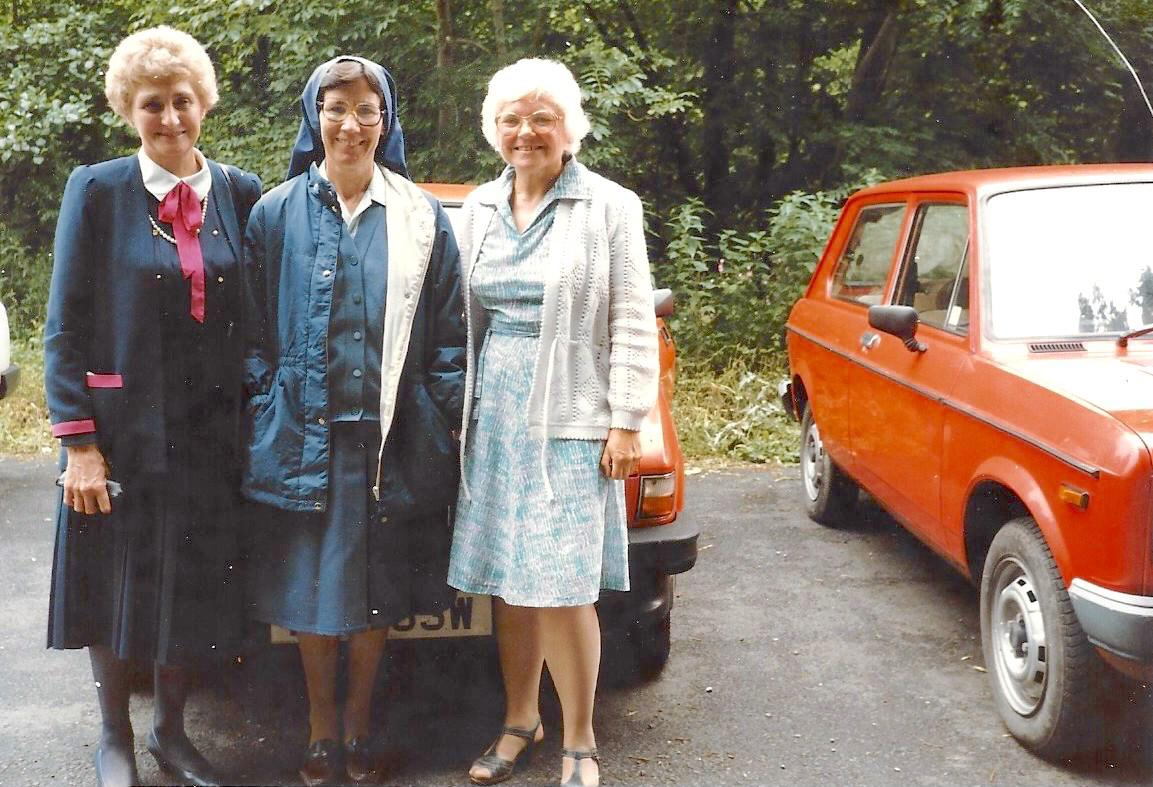l to r: Margot, Sr Isabel & Iris