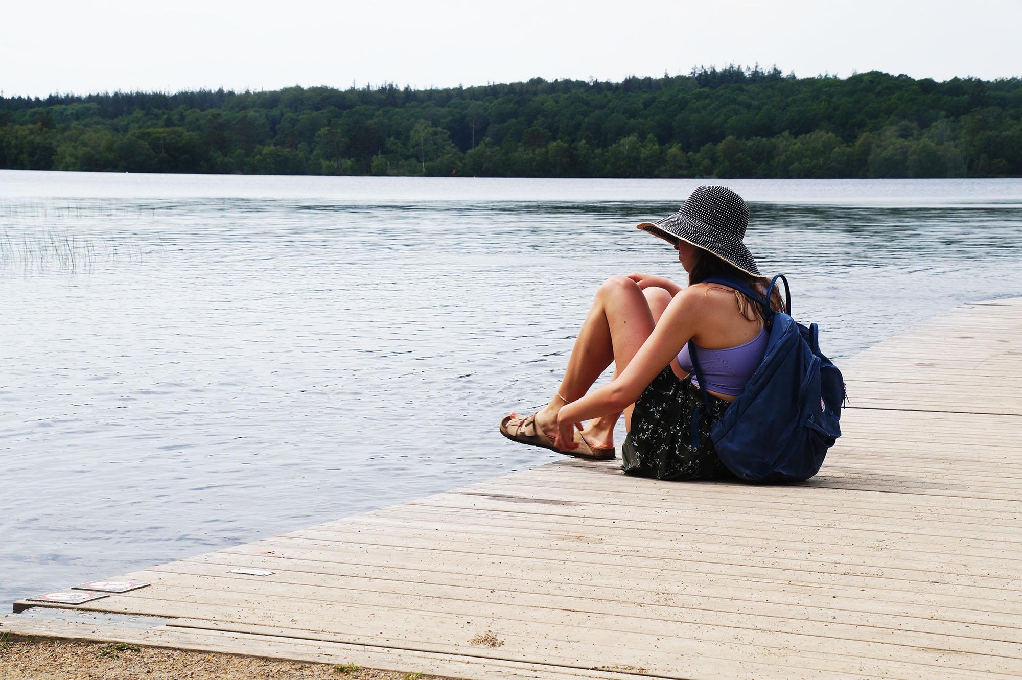 Efter maden tog vi til Store Okssø for at bade og slikke sol om eftermiddagen <3 <3 Det er fantastisk at bade på en lummer sommerdag, og alle vores tips passer selvfølgelig også til en dag på stranden.