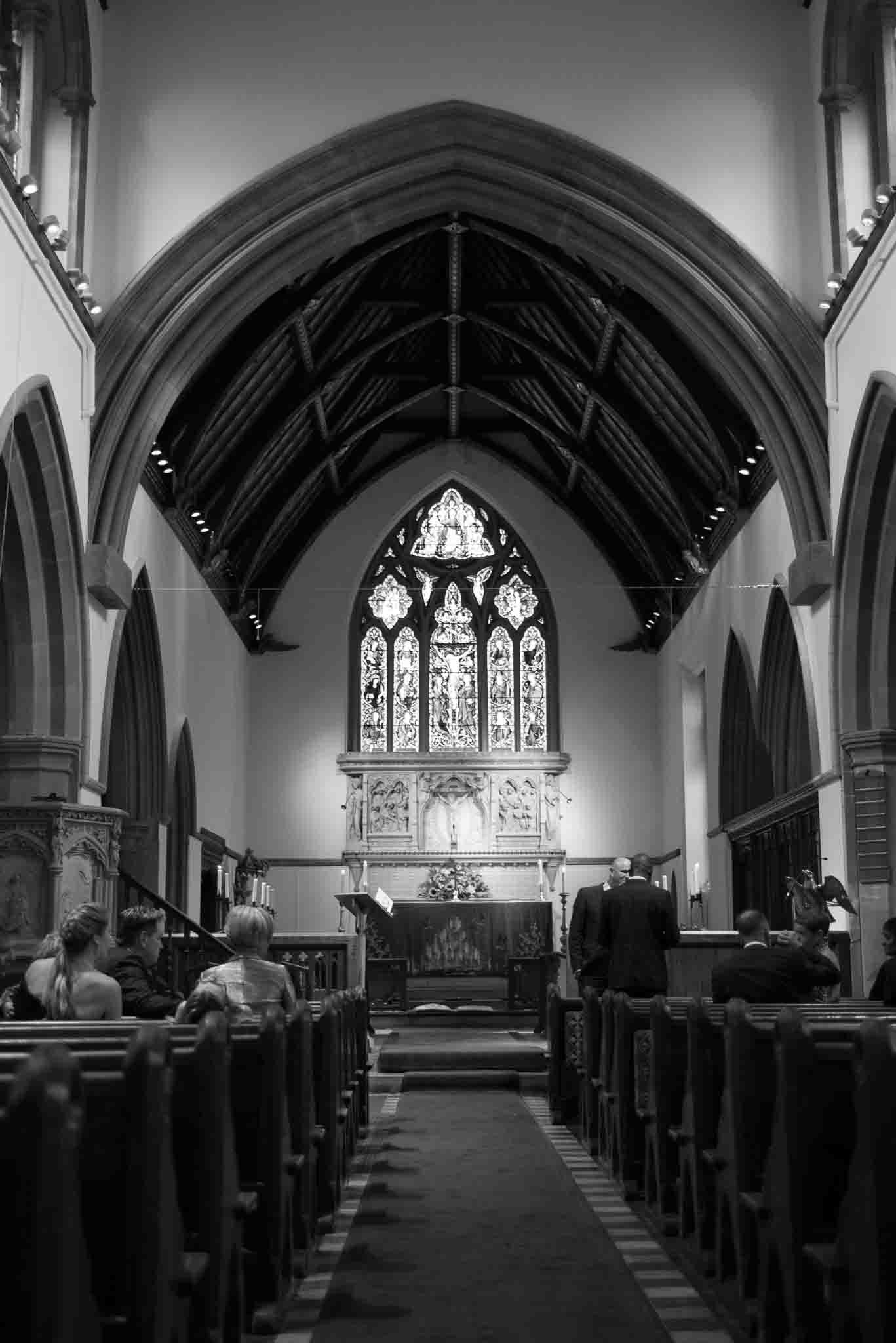 St Mary & All Saints Beaconsfield, St Mary's Beaconsfield, Beaconsfield wedding photographer, Beaconsfield wedding, Buckinghamshire wedding, Reportage wedding photography
