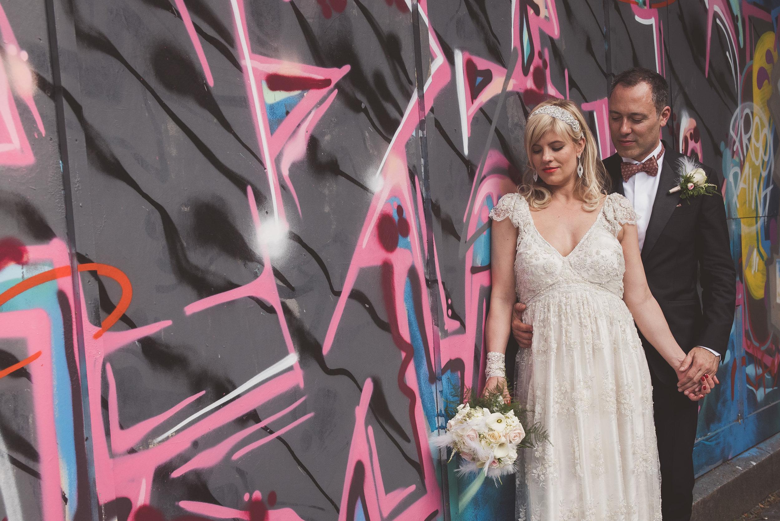 London wedding photography. Urban wedding photos.