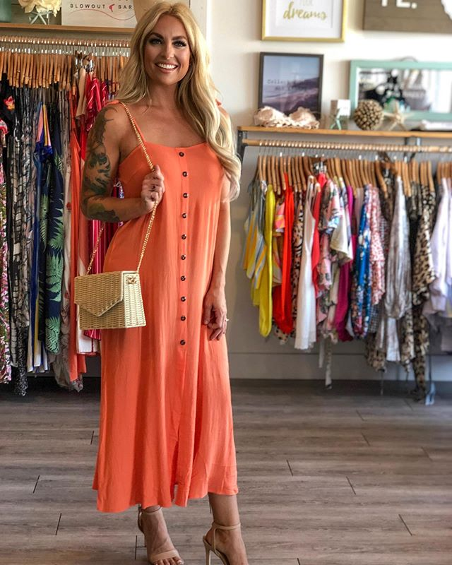Having an 🍊 moment lately! Loving this color for summer on @iamstephmurray! How cute is this straw bag... we only have a few left?! #ontrend #orangeyougladitssummer #mydrystyle #newarrivals #shoplocal