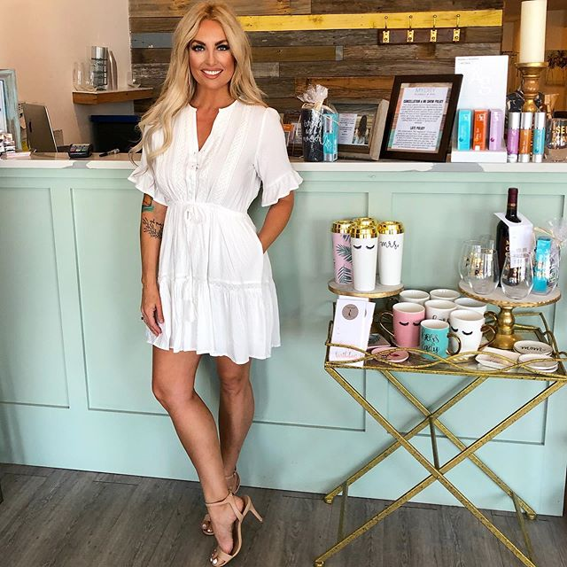 Perfect summer dress that can be worn casual with sandals or dressed up a little with heels 🌴 @iamstephmurray #mydrystyle #summerfashion #shoplocal #newarrivals