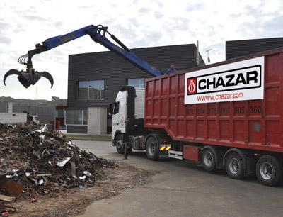 Camión pulpo para la recogida de residuos en Zaragoza