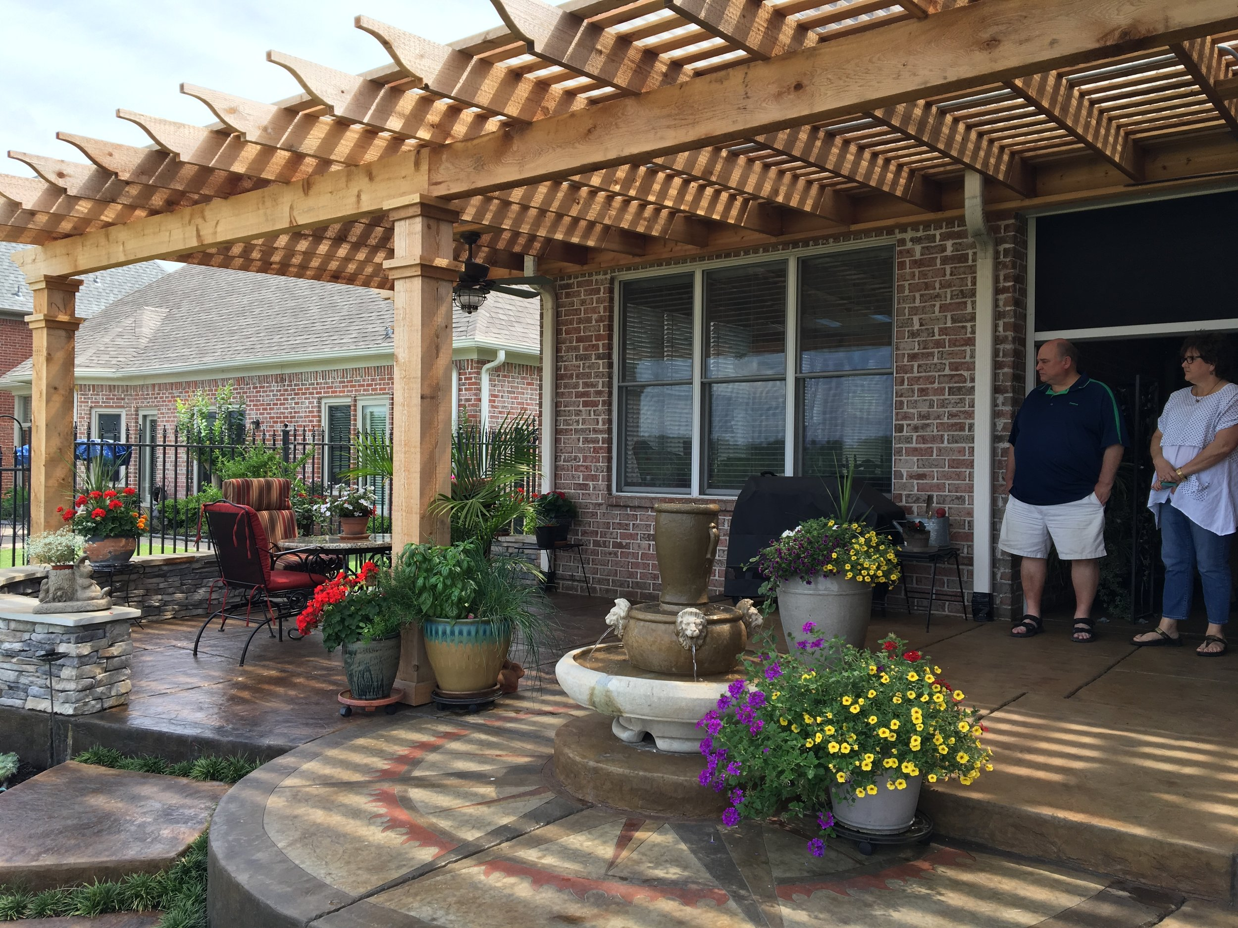 Stylish Open Top Pergola   Our customer did a fantastic job decorating their new space.