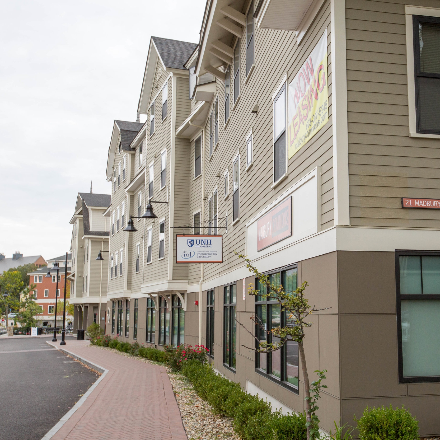 Madbury Commons   Residential Dorm Space Square Feet: 271, 000  Durham, NH Contractor: ProCon