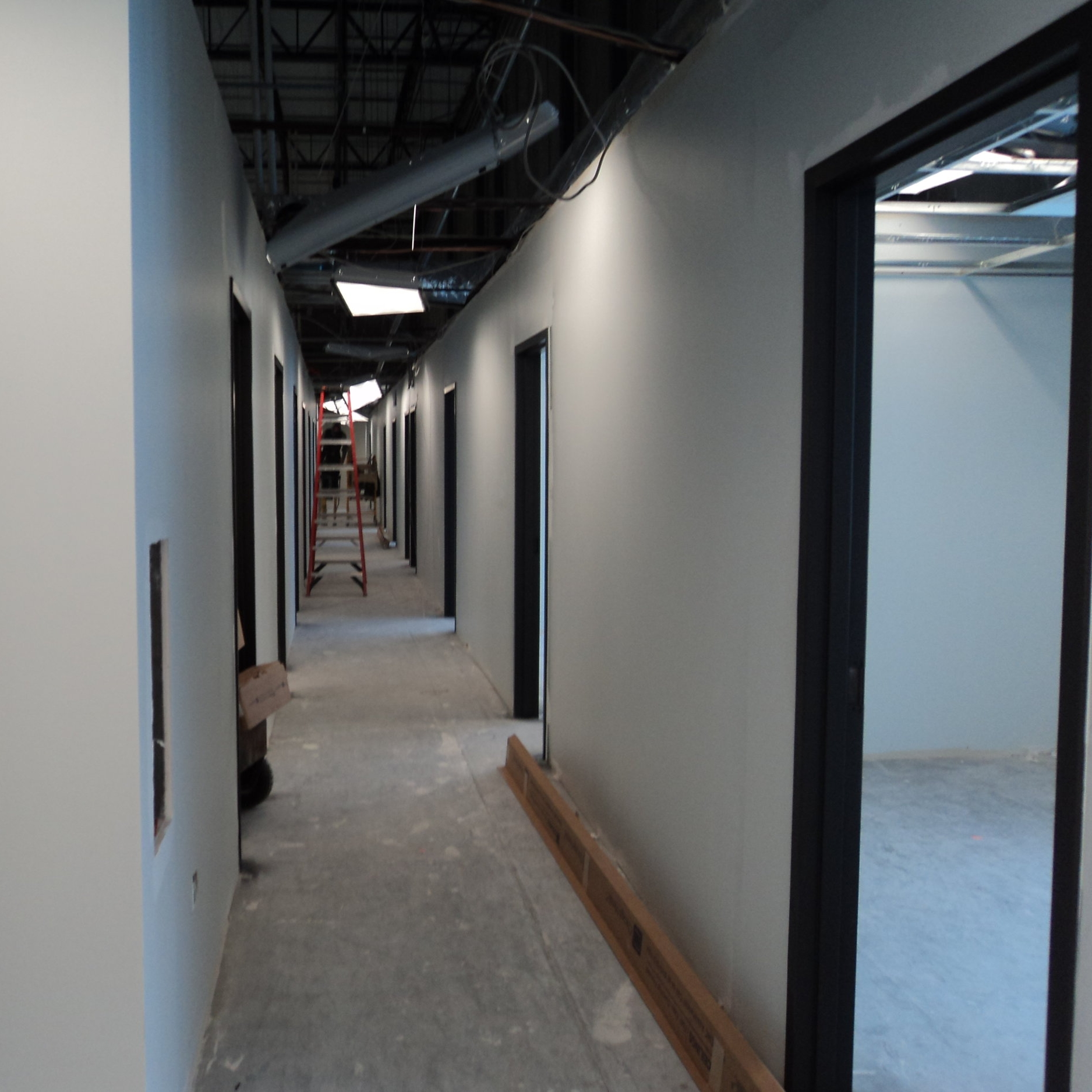 Fed Ex   Commercial Facility Londonderry, NH Contractor: Zirkelbach Construction Square Feet: 313, 308