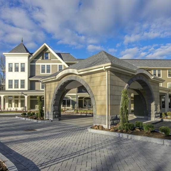 Five Corners Assisted Senior Living   Easton, Massachusetts Square Feet: 84,000 84 Unites Studio, 1 & 2 bedroom apartments