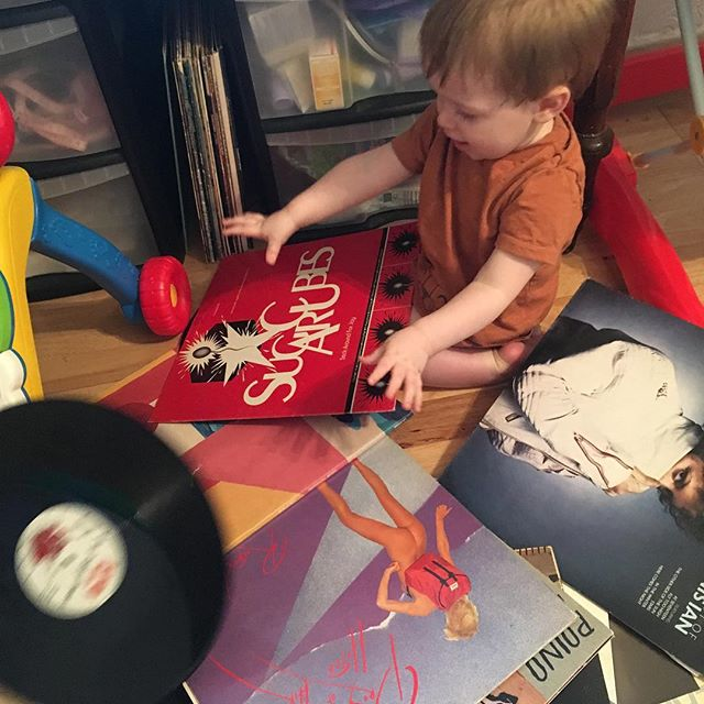 Start them young. DJ in the making 🎧 . . . . . #vinyllovers #vinylcollection #vinyl #dj #babyspam #professorgramophone #fromthebottomoftherecordbox #ftbotrb #youbreakityouboughtit #babydj #djbaby