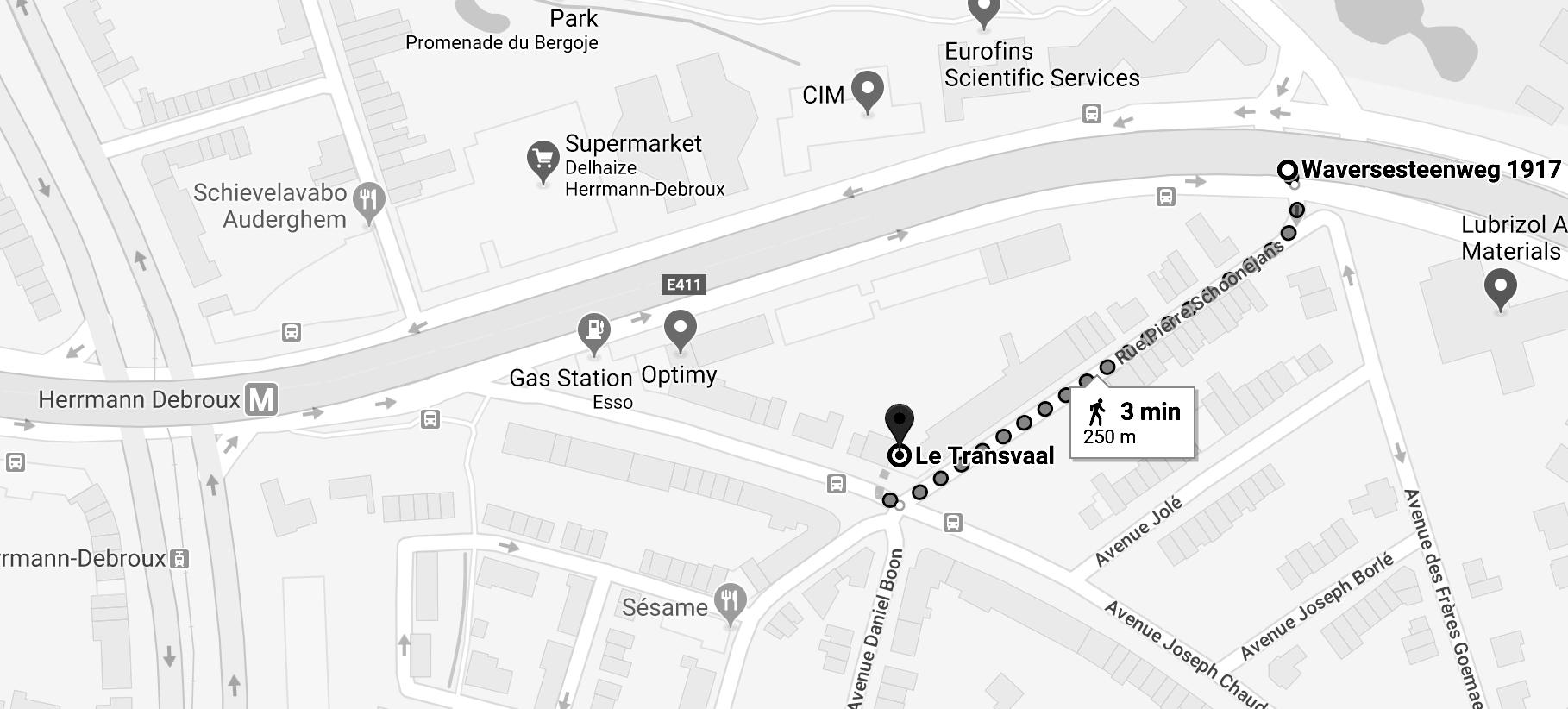 Pour vous garer, tentez votre chance dans le parking sous le viaduc, dans le bas de la rue Schoonjans. C'est à 3 min à pied et il y a souvent beaucoup de places, surtout le soir.