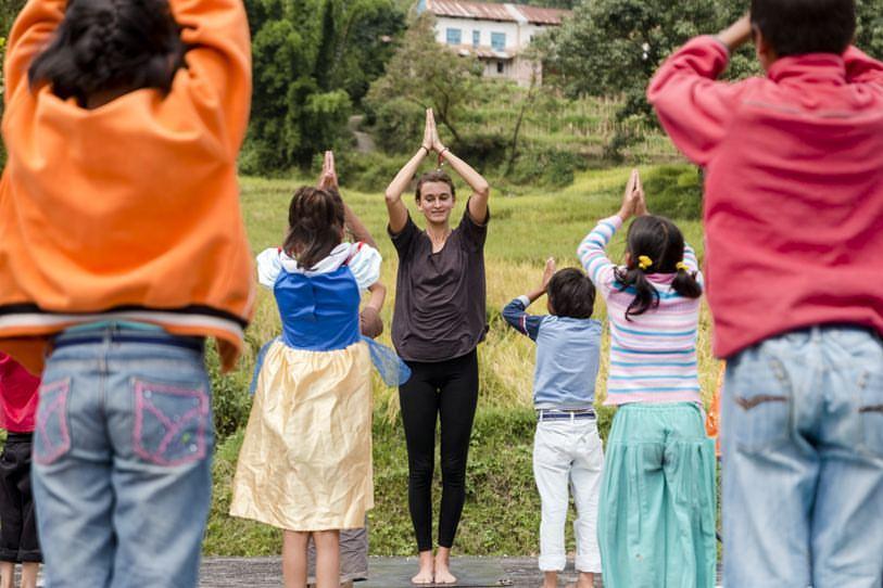 Lucie Cincinatis - Yoga with kids.jpg