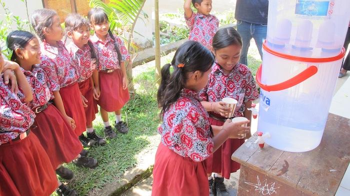 School kids 1 - 700 px.JPG