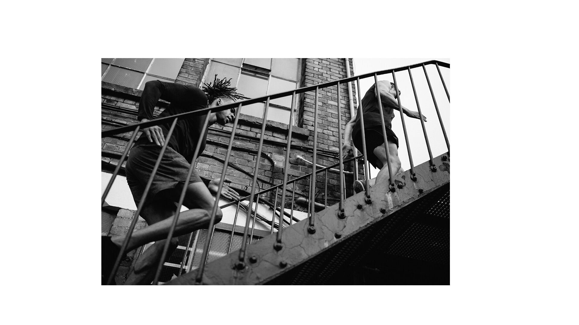 toby-butler-tobybutlerphoto-photography-fitness-lifestyle-lifestylephotographer-london-city-body-lululemon-yoga-stretch-emotion-physical-6.jpg