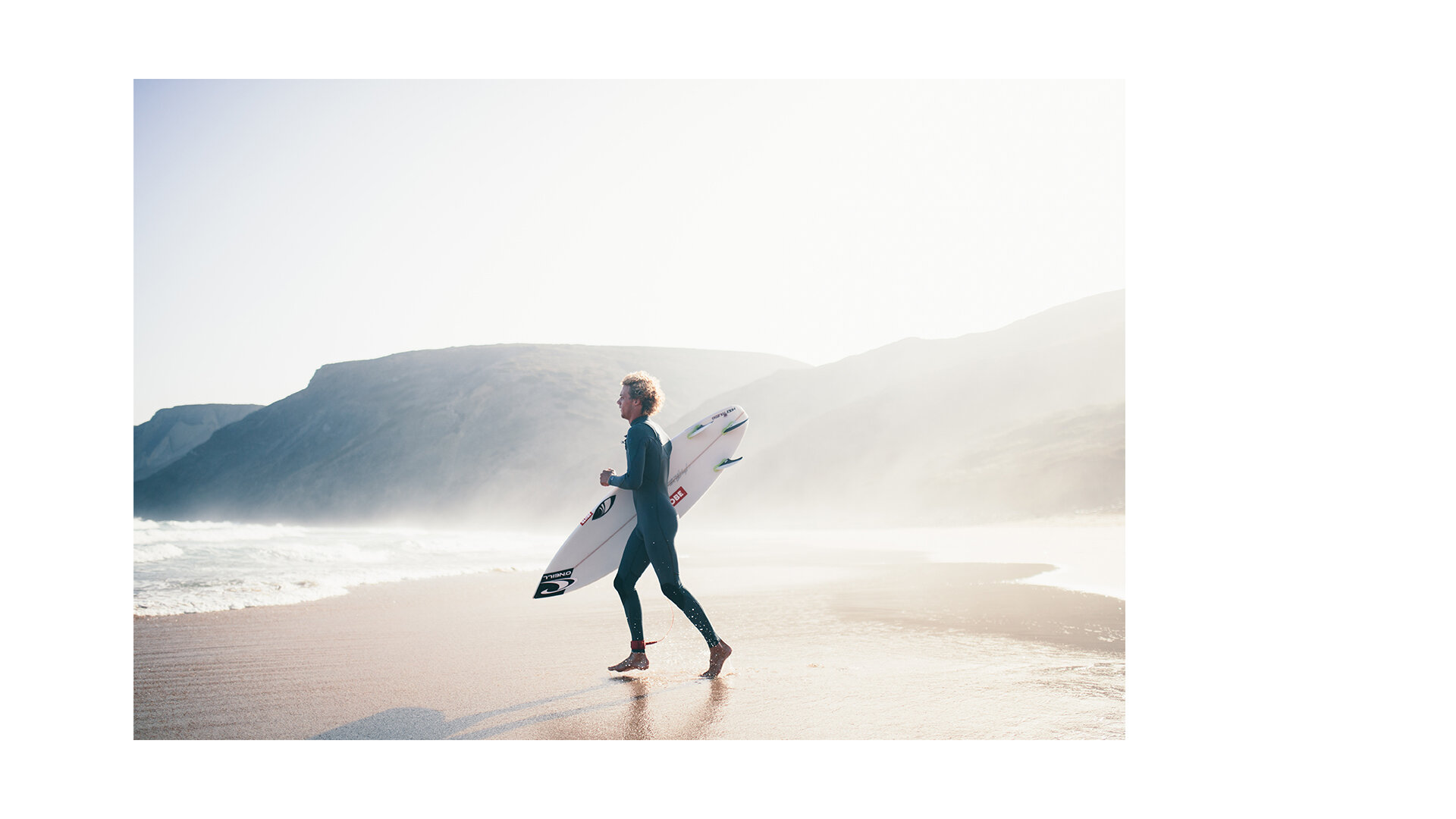 toby-butler-tobybutlerphoto-surf-surfing-waterphotography-ocean-Oneill-wetsuits-swimwear-girl-bikini-clothing-surf-portugal-lifestylephotography-9.jpg