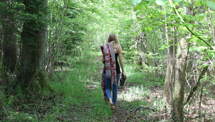 walk-in-forest-1400x800.jpg