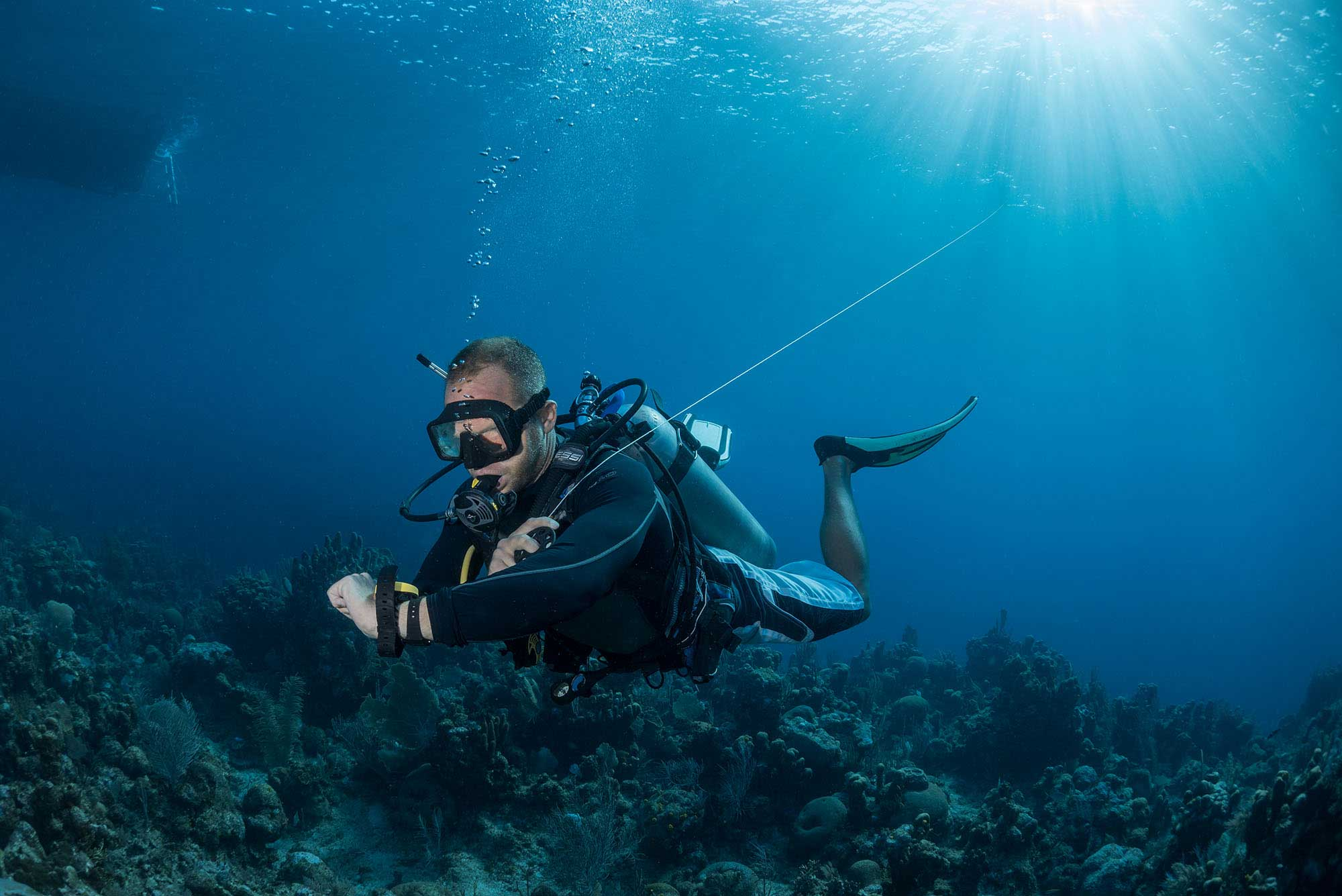 Divemaster Intern during a safety stop