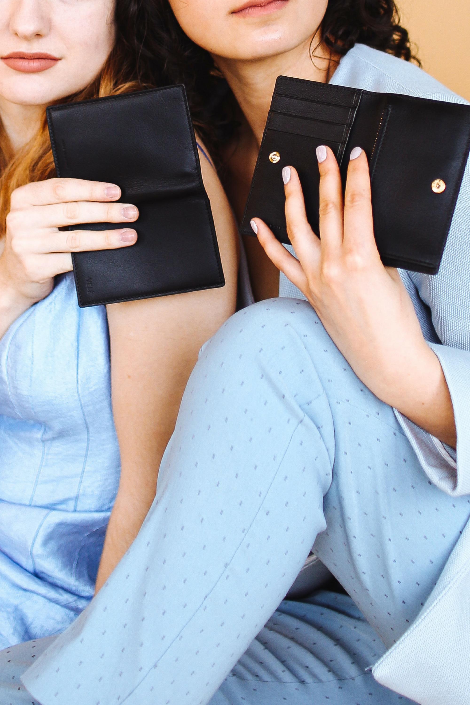 Luxury Minimalist Wallets-1.jpg