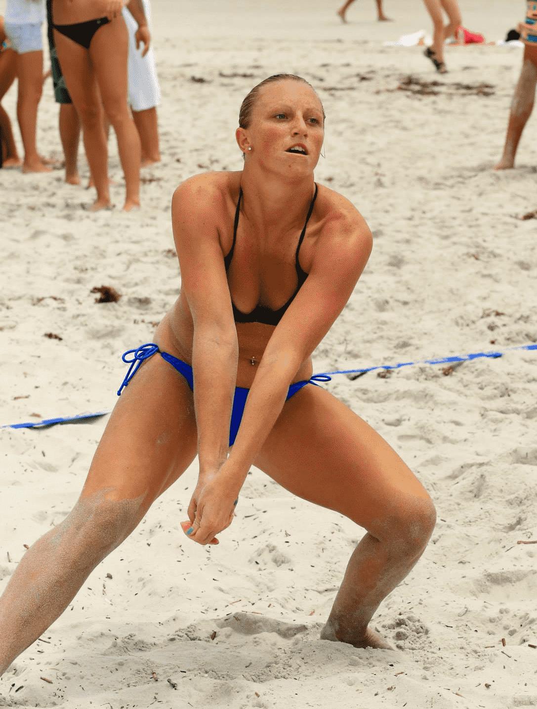 jax beach vball coach tanner garbutt passing volleyball