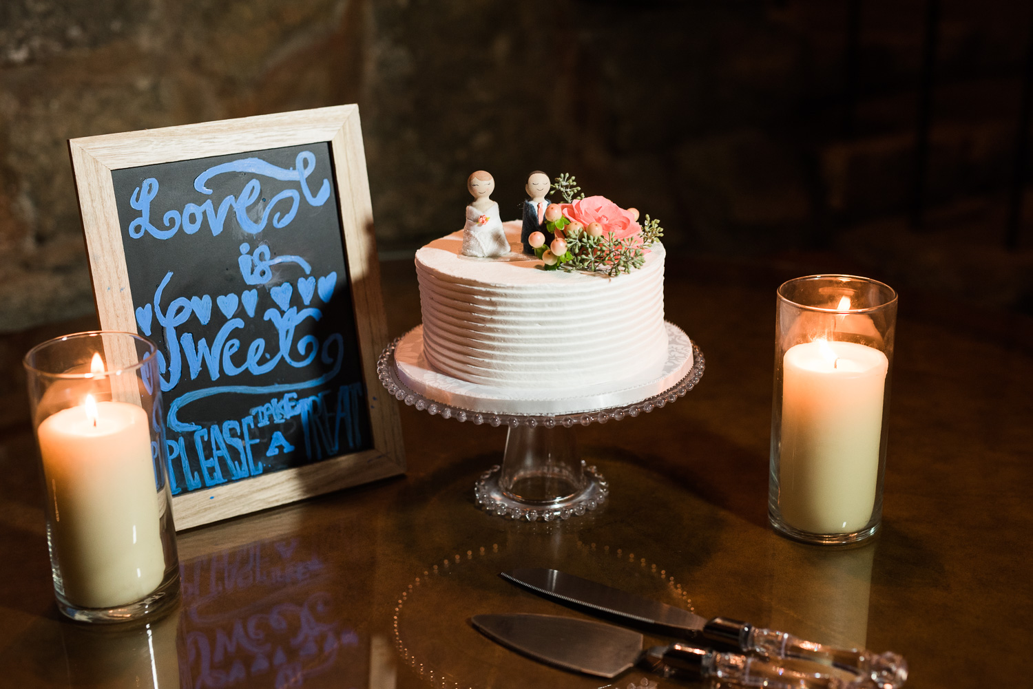 Mt. Woodson Castle Wedding // Brandi Welles Photographer // Wedding Cake