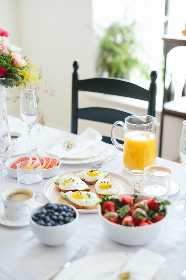 99d03b95ed86b9e8c85f6bdfde8ab871--breakfast-table-setting-breakfast-set-up.jpg