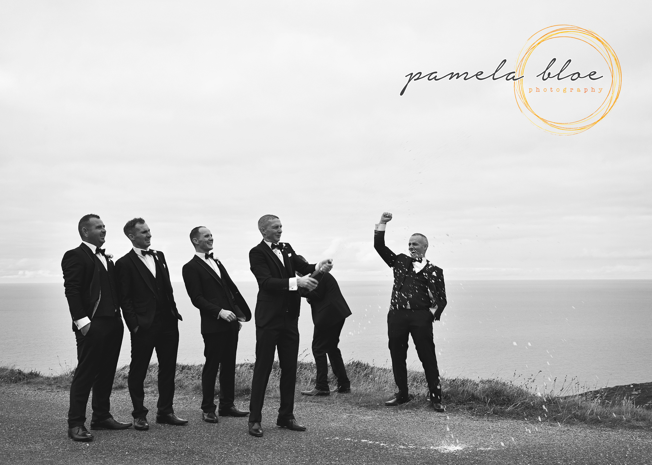 groomsmen-popping-champagne-donegal-wedding