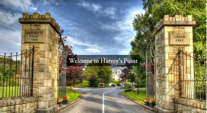 Harveys-Point-Hotel-Entrance-700x382.jpg