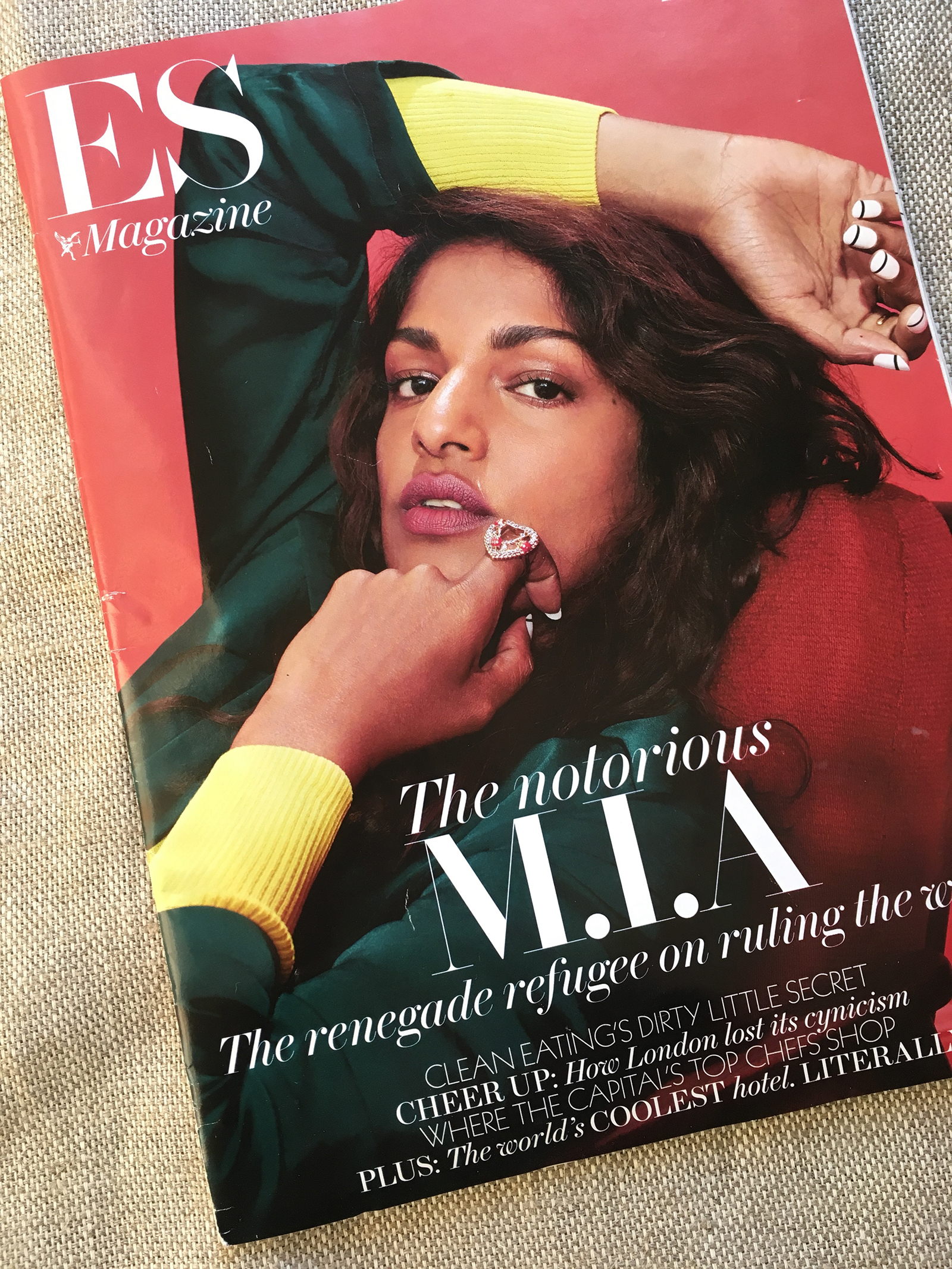 >> ES Magazine 2015