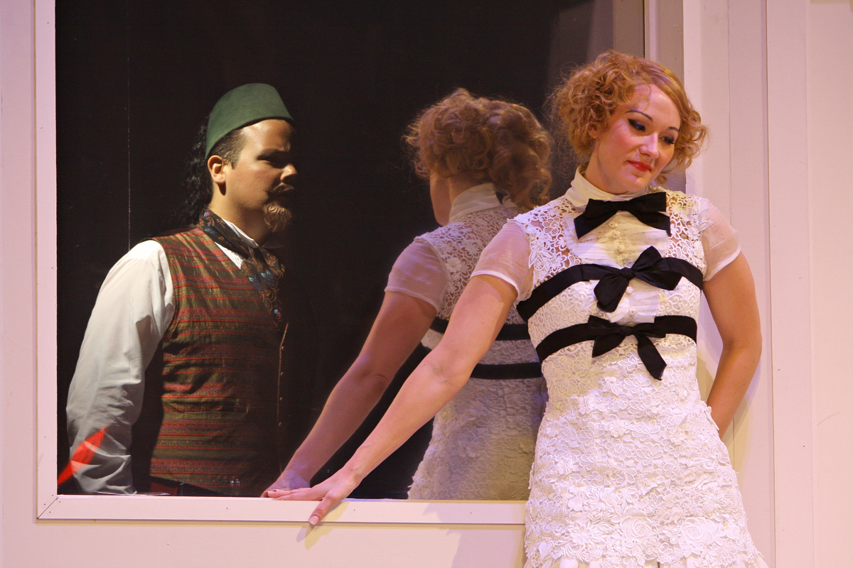 Eric Einhorn's production of  Così fan tutte  at Wolf Trap Opera