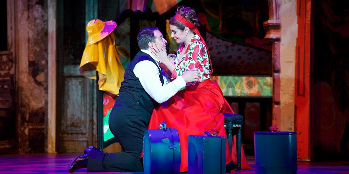 Matthew Grills as Count Almaviva in  Il barbiere di Siviglia  with Seattle Opera
