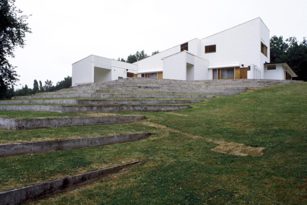maison-louis-carre-ranska-pihalta-kuva-heikki-havas-alvar-aalto-museo-988x659.jpg
