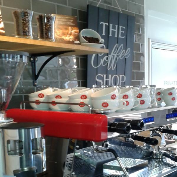 The Crown | 144 - 146 Hatfield Road, St Albans, Herts, AL1 4JA | 01727853347 | Cakes & Coffees