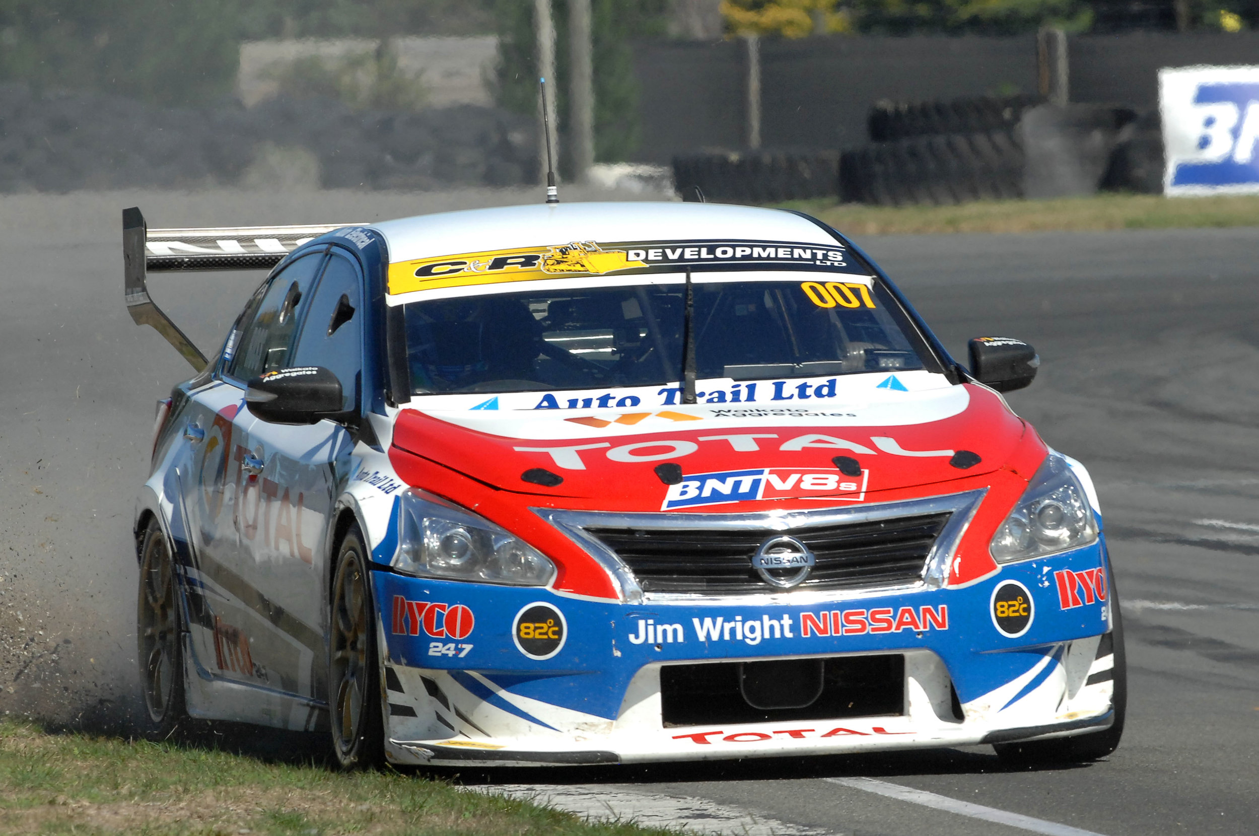 Nick Ross has finished second overall at Ruapuna in his Total Lubricants Nissan Altima.  Photo credit Euan Cameron.