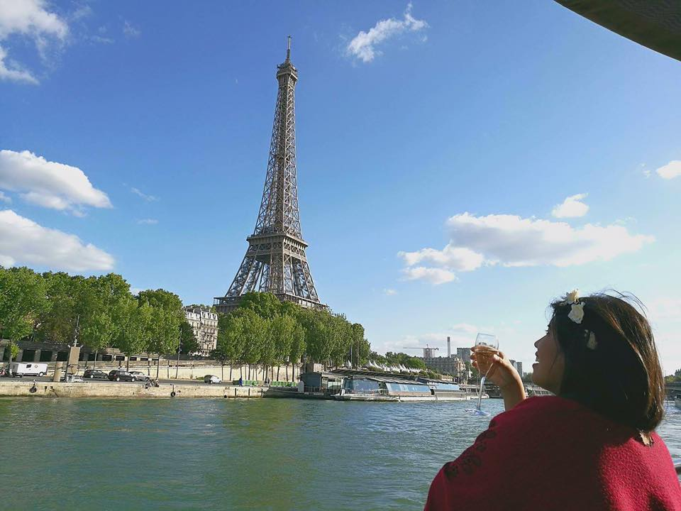 Drinking Champagne while cruising in paris, france!