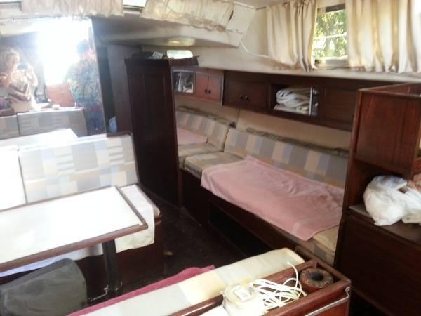 SV-Empress-40Ft-Finnrose-Sailing-Yacht-beds.jpg