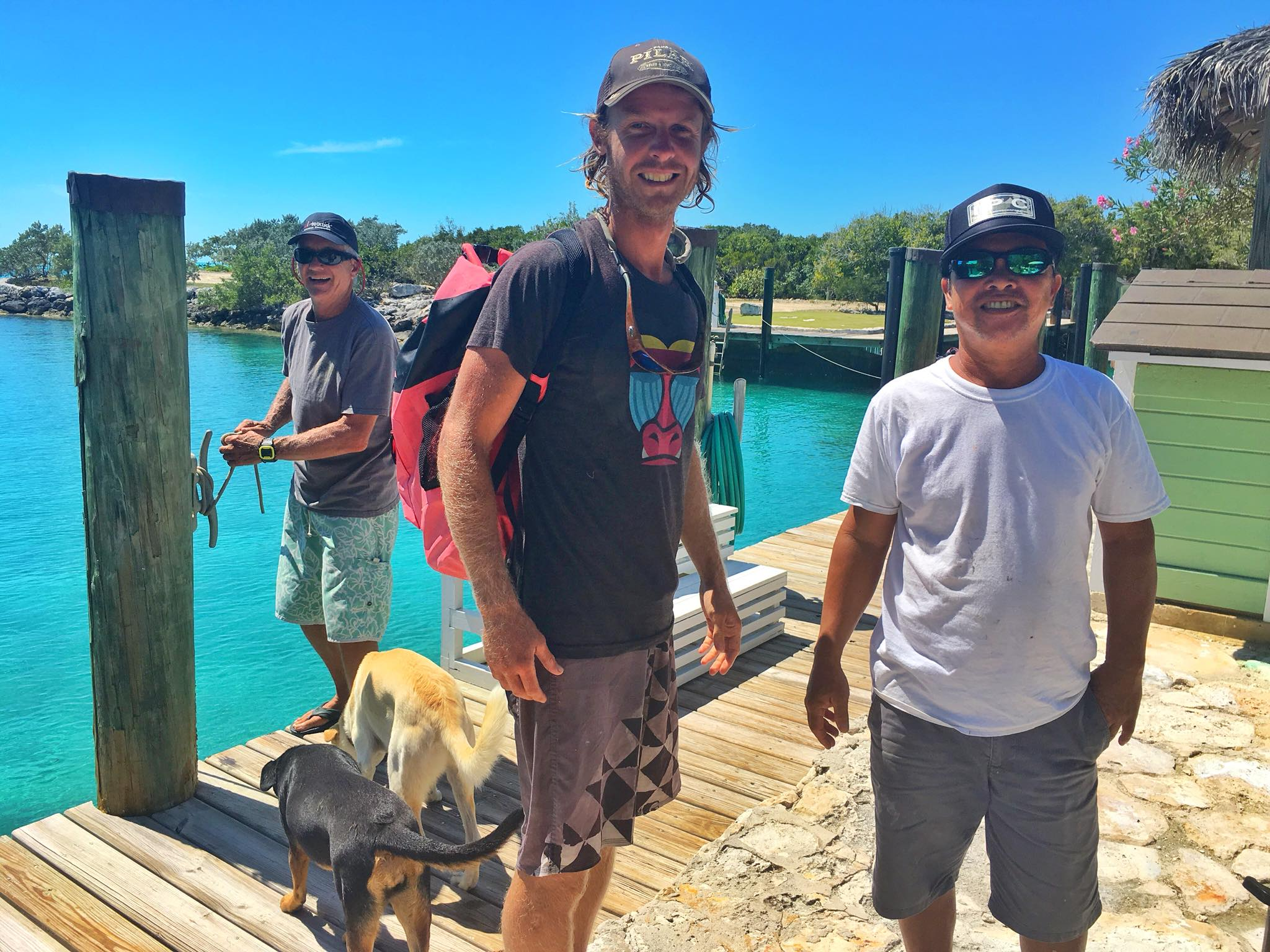 Sailing Life Day 23 - Visiting our new Pinoy Friends on their Private Island & Spearfishing today in the Exumas, Bahamas🐟