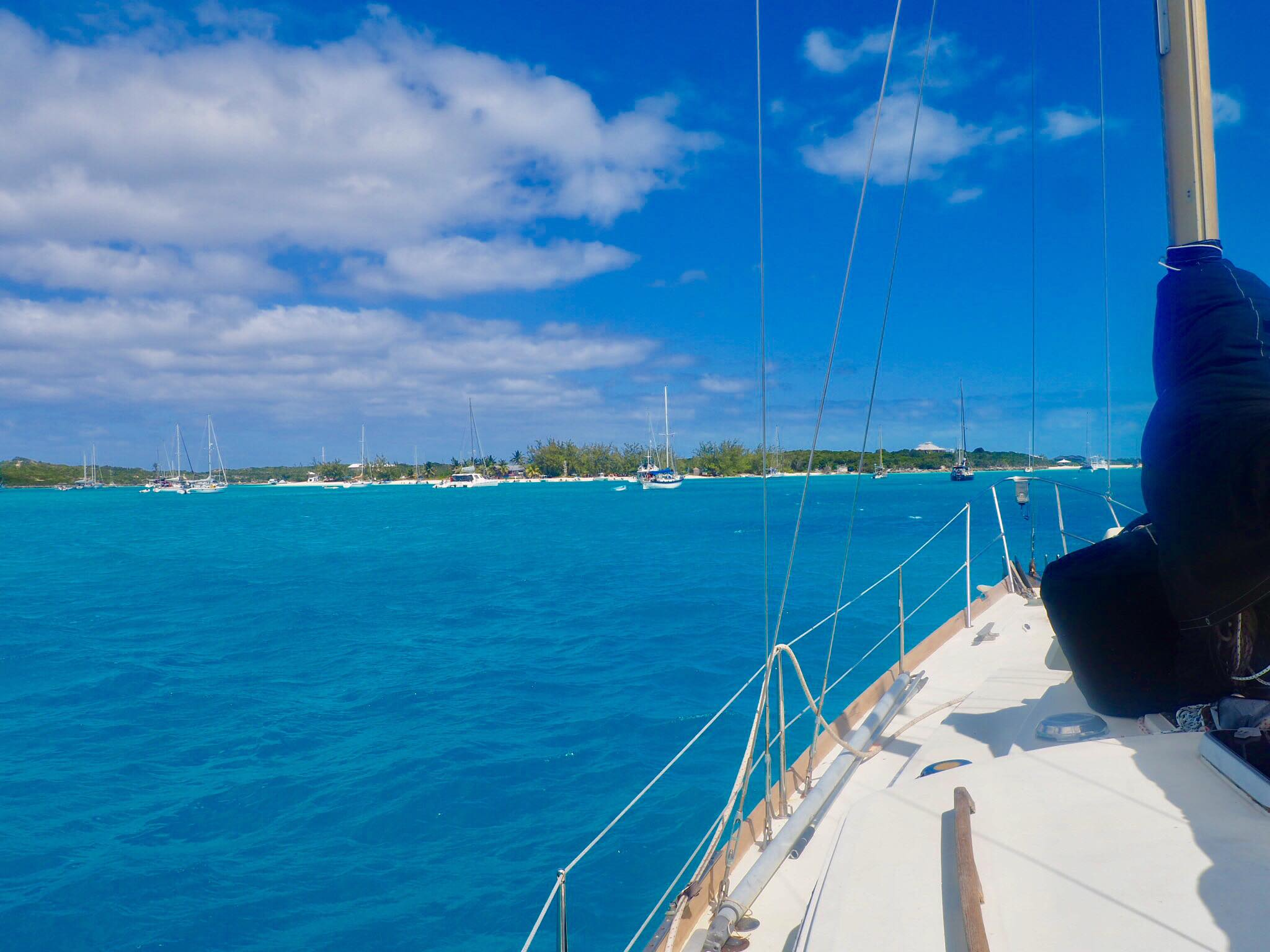 Sailing Life Day 32: Left the Boat to Meet Fellow Cruisers in St Francis Marina here in George Town, Exumas, Bahamas