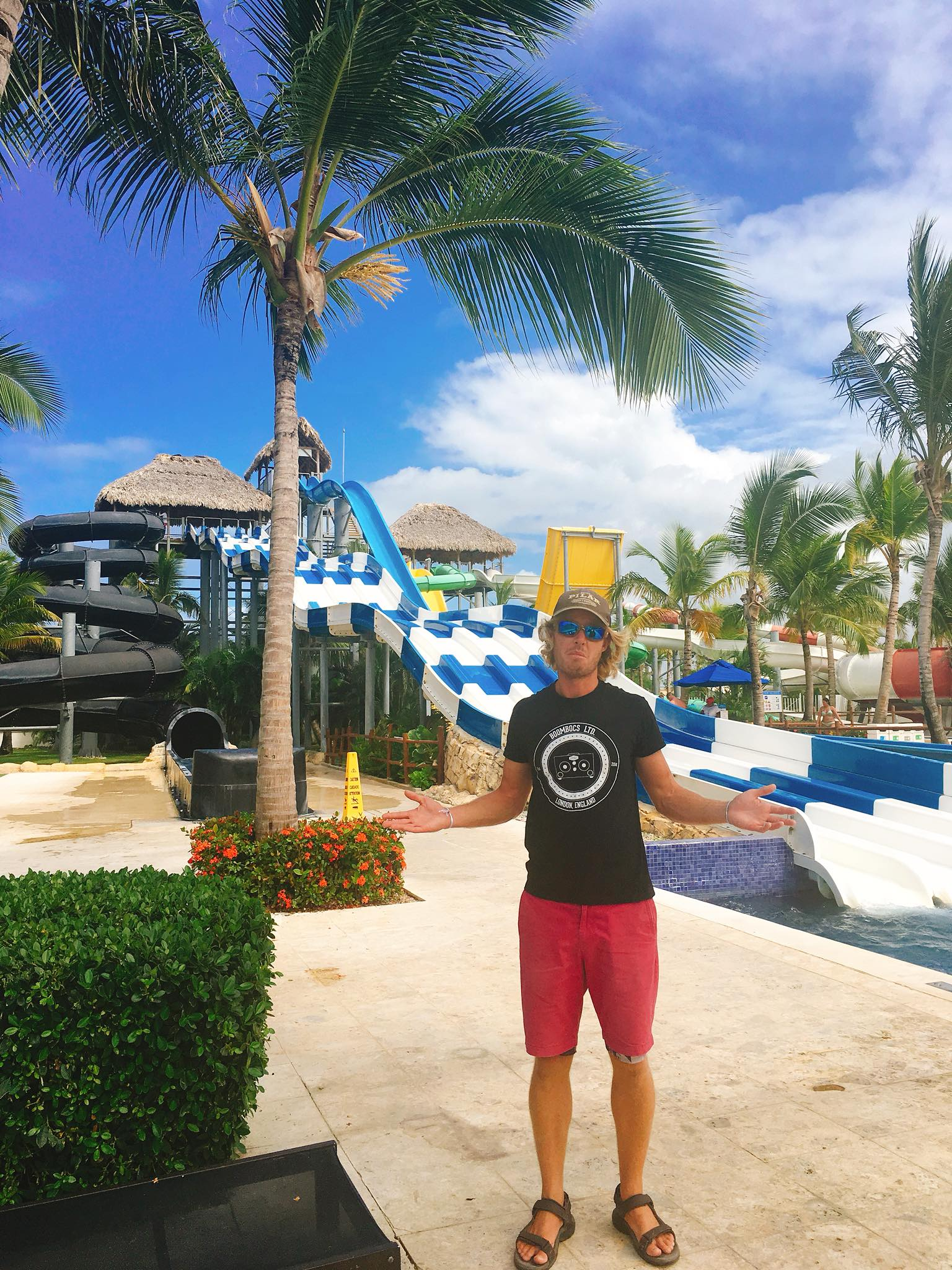 Sailing Life Day 59:  Eating (Non-stop), Splashworld and Dominican Republic Cultural Dance Night here in Hideaway at Royalton Punta Cana!