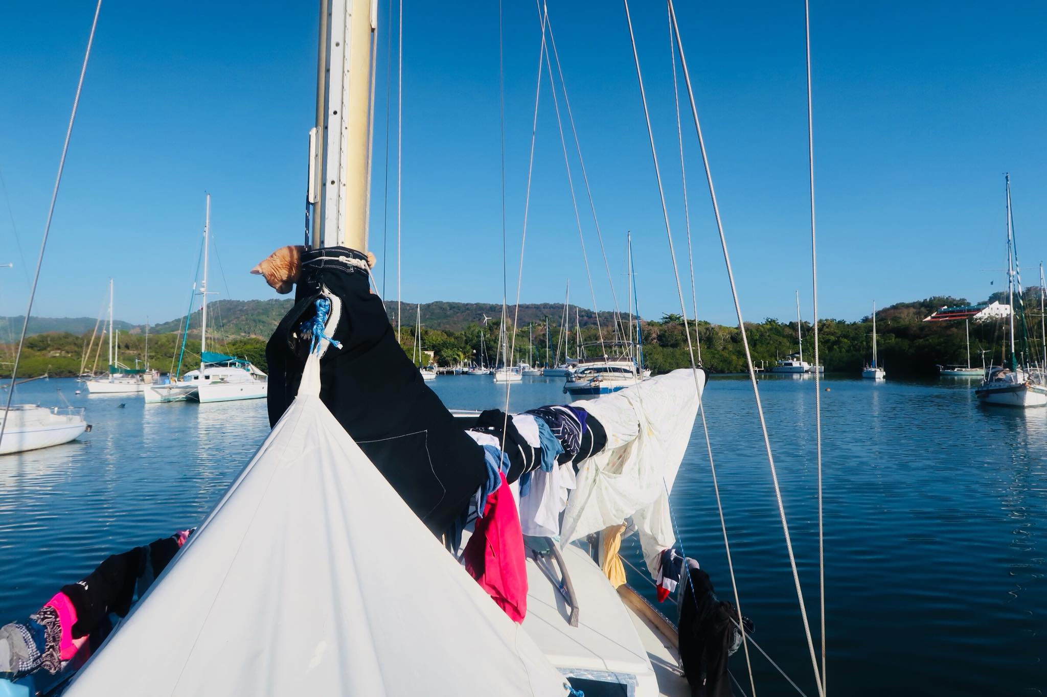 """Liveaboard Life Day 96 - 97: Unexpected Boat projects and our floating """"slum"""" (s/v Empress)"""