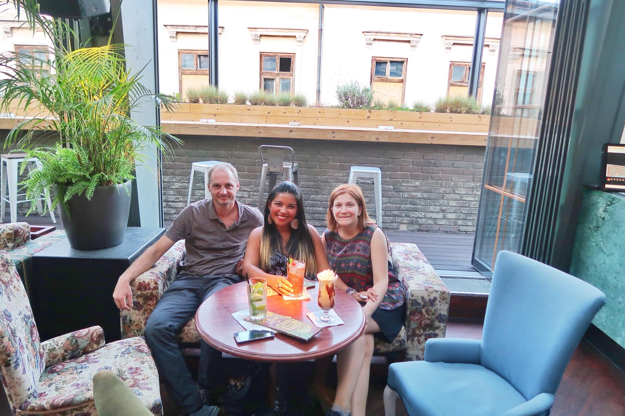 Kach Solo Travels Day 18: Arrival in Bucharest, Romania and meeting local Romanian friends!