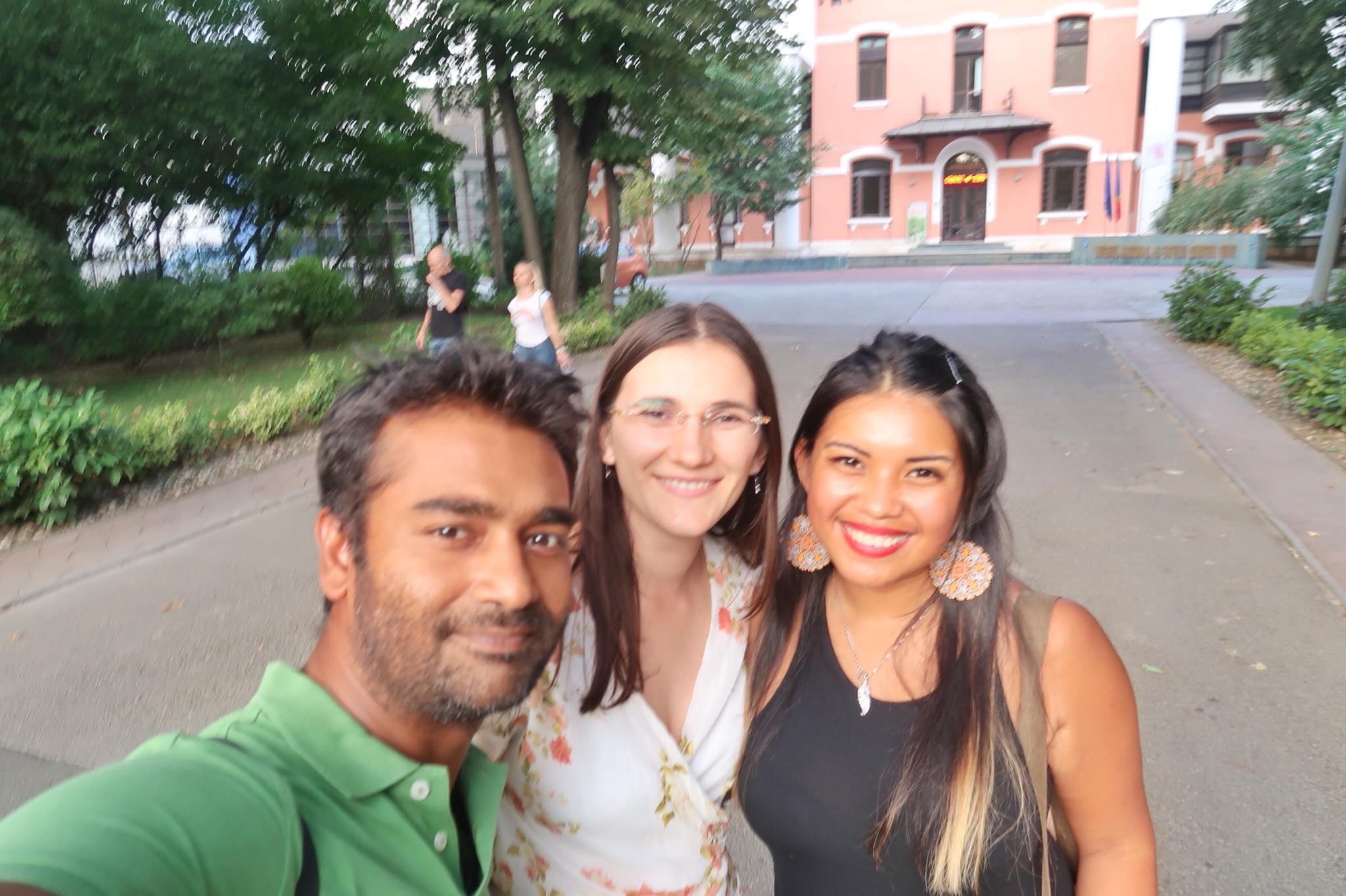 Kach Solo Travels Day 21: Meeting a Blog Reader in Romania :)