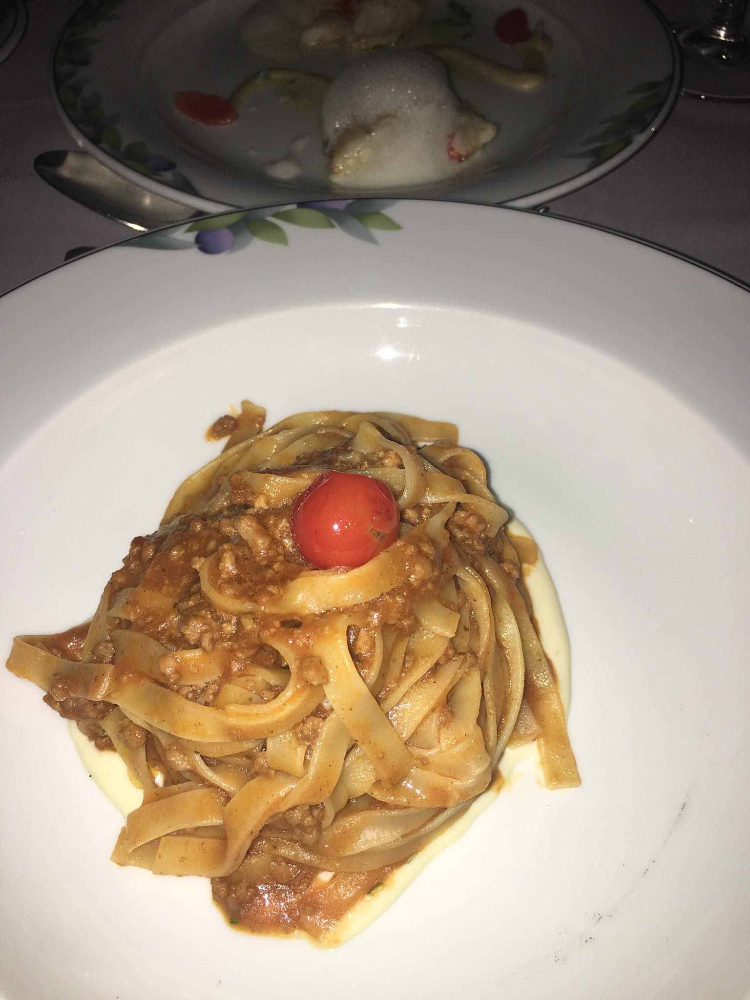 Kach Solo Travels Day 32 - 35: Food Trip in Crete, Greece 😍