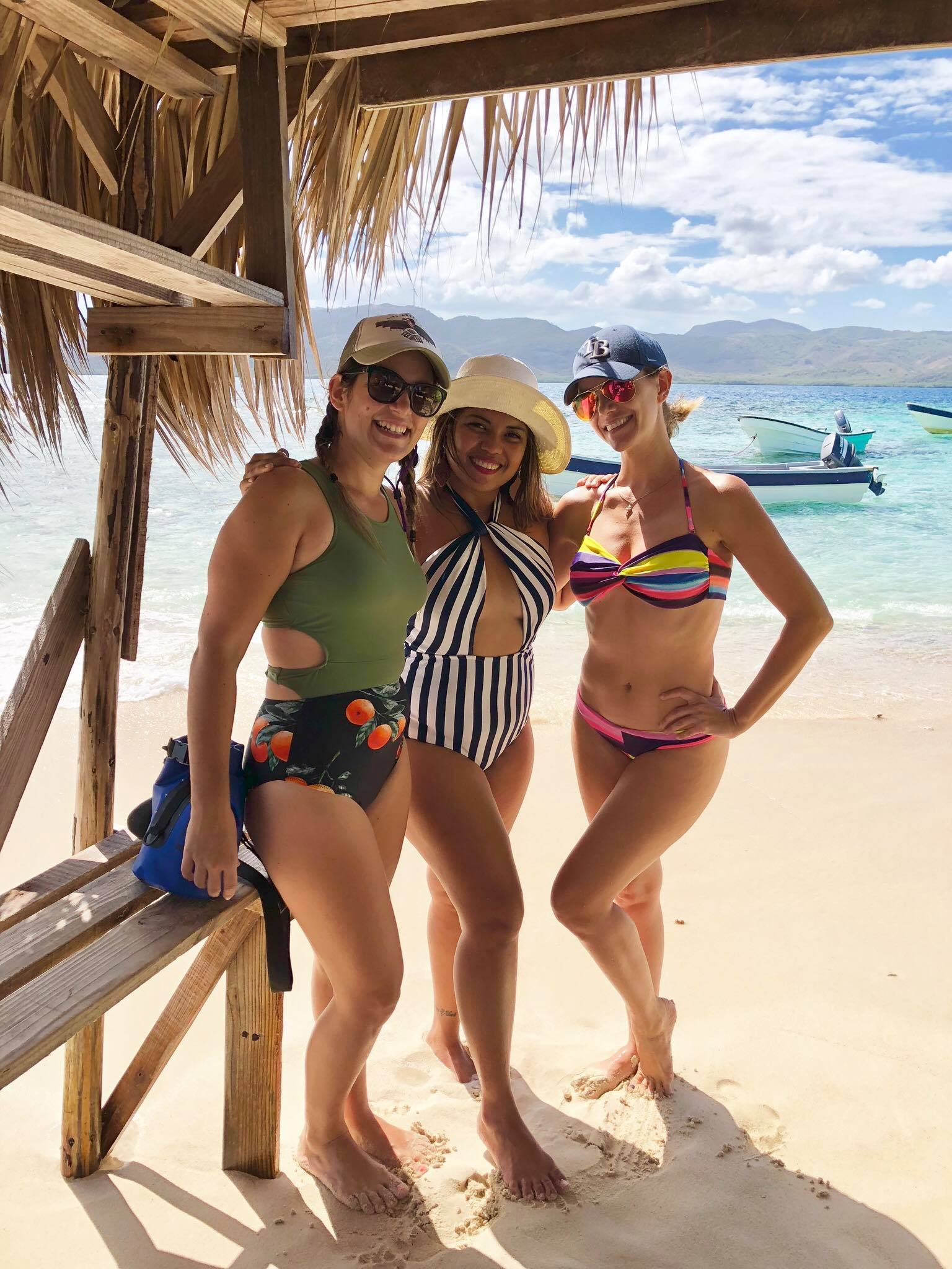 Liveaboard Life Day 256: Private Boat Trip to Paradise Island / Cayo Arenas in Puerto Plata province, Dominican Republic ⛵️