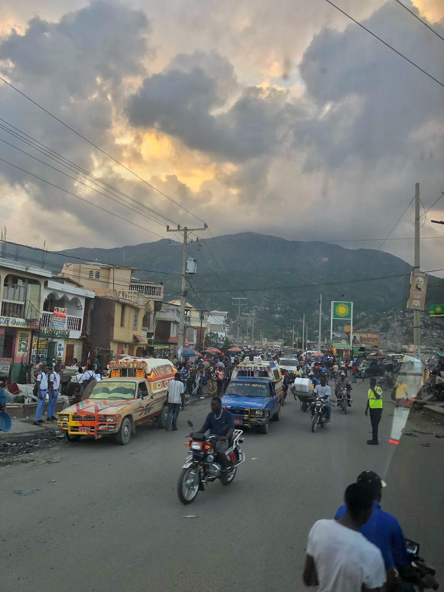 Liveaboard Life Day 277: Made it to my 121st country - HAITI!! 😍