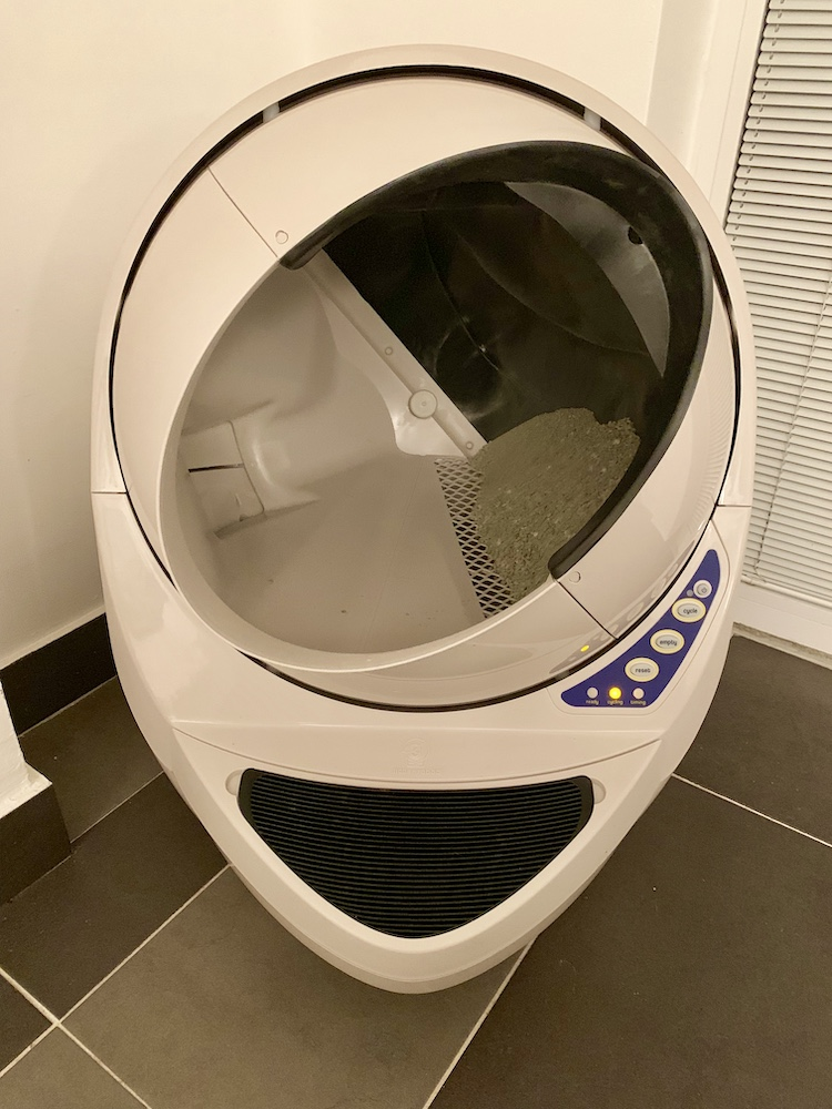 Cat Litter Robot Pets 6.jpg